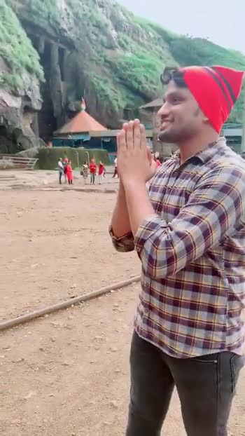 Aai tujhe Devul 🙏🏻🙏🏻😍😍 #ekveeraaai #ekveeramauli #Ekverra #aaimauli #durga #kolisong #aagrikolisong #aagrikoli #marathimuser #marathi #marathisong #navratri2019 #navratri #roposo #roposomarathi #roposoofficial #foryou #foryoupage