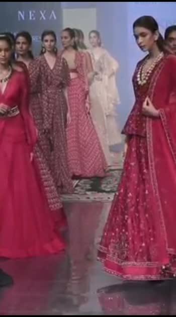 Models #rampwalk at #lakmefashionweek #poojahegde #rakulpreetsingh #dianapenty #lakme #tollywoodactress #bollywood #filmistaanchannel #alavaikuntapuramlo #manmadhudu2 #filmistaan