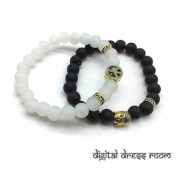 Golden Braclets with Black and White Beads Peace Sign symbol Buddha Charms Couple Bracelets📿 Item Code:(🔎14MBR35-449) #bracelet #bracelets #blackbracelet #whitebracelet #multilayerbracelet #golden #goldenbracelet #jewelry #jewellery #gifts #partywear #mensbracelet #accessories #mensaccessories #traditionaljewelry #indianjewelry #westernjewelry #westernoutfit #westernfashion #fashionjewelry #fashionblogger #jewelrylovers #couplejewelry #charmbracelet #mensjewelry #salmankhanbracelet #mensfashion #layeredbracelet