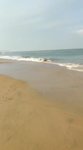 Beach with Mom . Sky above, sand Below, Peace within 🌊 #goadiaries  . #beats #roposostars #fashionista #fashionquotient #lookgoodfeelgood #filmistaan #travelgram #musafir #rangoli #beach #beachday #goa #beachwear #bagabeach #bagabeachgoa #travelphotography #sea #vitaminsea #bloggersofinstagram #beachvibes #ootd #kaftan #travelphotography #travelblogger #travelgram #instapic #instatravel #delhiblogger #fashionblogger #picoftheday #twinklewithmystyle