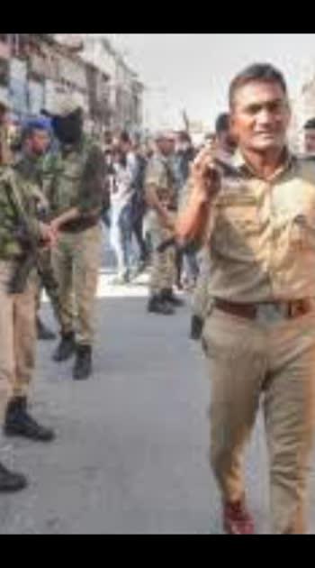 Several injured in Srinagar grenade attack