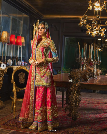 The unique, embellished pattern on the dhakka pyjama includes appliqué borders as well as classic gold embellishments, while the heavy shirt stands out with our distinct colour palette. Mushk Kaleem wears this outfit with perfect flair!