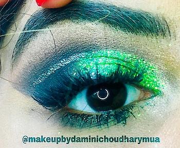 Green ✨ #eye-makeup #glittereyeshadow #glittereyemakeup #mua #makeuplife #muaindia #chennaiblogger #chennaimakeupartist #chennaifashionyoutuber #allmodernmakeup #makeupartistsworldwide #soroposo #roposofashionista