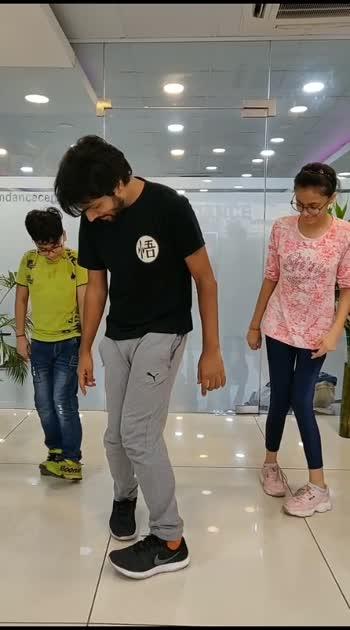 Hrithik Roshan Entry Footwork tutorial. #dancetutorial #learndance