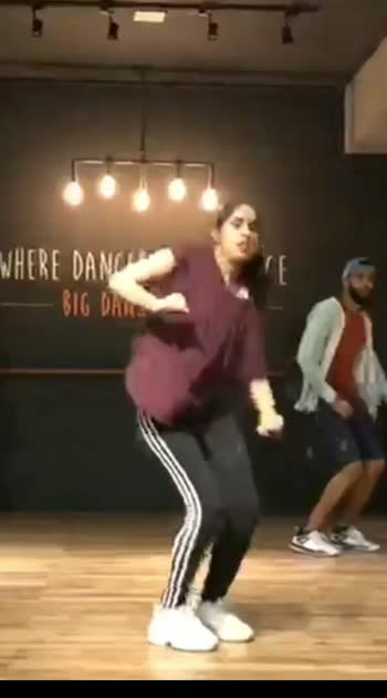 let's groove it !!  #groove #hiphop #song #dance #rnb #oldschool #bollywood #movie #roposostar #roposo #roposodancer #roposohiphopdance #roposorisingstar #risingstar
