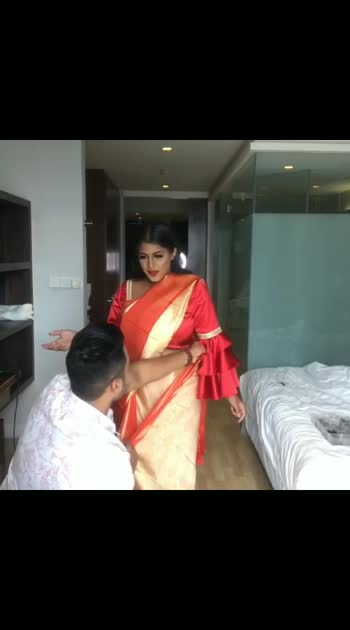 #saree #sareelove #sarees #sareefashion #sareeblouse #sareeindia #sareesofinstagram #sareedance #sareeoftheday