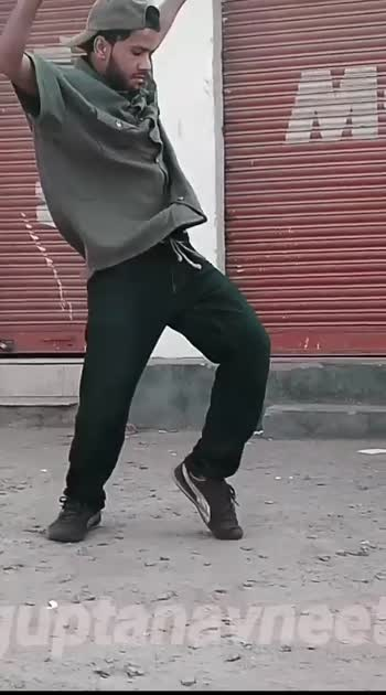 Instagram @guptanavneet32 for more videos!  #roposo #risingstar #roposo-dance #roposostars #roposobeauty #afrodance #afro #freestyle #footworks