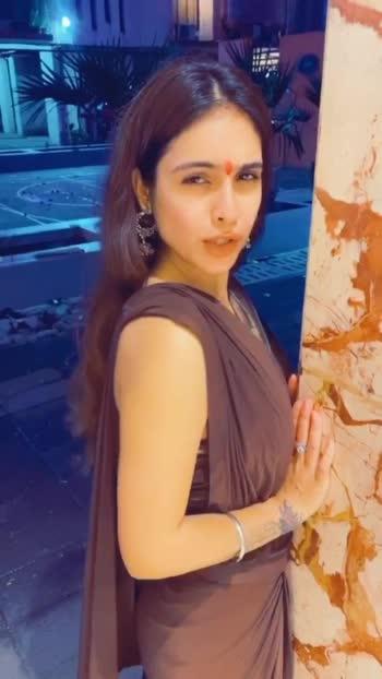 Random TikTok During Diwali Celebrations🌟🌟 #tiktok #tiktokfun #tiktokvideo #diwalicelebration #randomvideo  #happydiwali2019 #indianfestival #festivalvibes #festivalfashion #indianfashion #indiangirl #desigirl #desilook #desi #saree #indianbeauty #sareelover #pollywood #bollywood #nehamalik