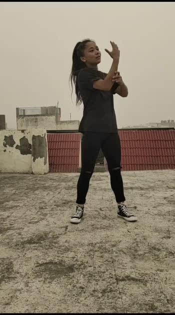 Bole chudiya dance  popping freestyle video ..... #trend #trendingvideo #roposo_star #eoposogirl #roposo-trending