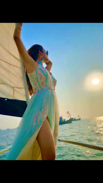 She's a Vibe that you Gravitate to and lifts your soul to a place where Gravity doesn't exist ....🥰🥰🥰😈 : : Yatch courtesy @jetfleetaviation @shanildesai @rahildesai23  Outfit @baaksha by @meenapradhan @manju.pradhan : : #sealover #sailing #sailinglife #sea #beauty #yatching #happiness #mommysbirthdayspecial #yatchparty #yatchclub #colaba #mommysgirl #baaksha #gown #princessgown #floral #floraloutfit #fashionblogger #luxuryblogger #nehamalik #model #actor #blogger #instagood #instafollow