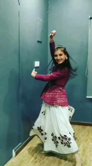 """I am in love with this track ASVAAR from """"Hellaro"""". So here I am presenting a small dance video clip accepting the challenge given by @aayushi_soni_kathak @jay_sheth_29 @dwj_dance_studio and continuing the chain I m challenging @patelmunjal @darshitalakhani @pinkushyadav.py to post video clip and challenge their 3 friends  Thanks  #hellaro #hellarochallenge #asvaar #arjavtrivedi #aishwaryamajmudar @aishwarya_tm"""