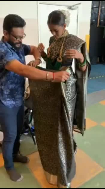 Draping a Kanjeevaram Saree(36