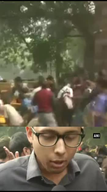 #jnusuelection2018 #jnu #delhistyle JNU में दीक्षांत समारोह के दौरान छात्रों का फीस बढ़ोतरी को लेकर हंगामा, किया विरोध प्रदर्शन