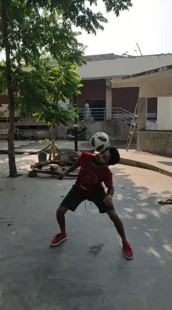 bloom #roposostar #risingstaronroposo #roposochannel #freestylefootball