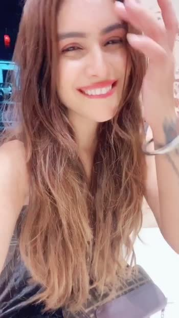 Met this cutest Cat 🐈 🐱 last night in my society... ❤️❤️😻 n I fell in love with her cuteness 😍😍  : #aboutlastnight #cute #cat #meow #cutenessoverload #cutestcat #randomfun #randomvideo #animallovers #catsofinstagram #catslover #catsagram #tiktok #tiktokpartner #happiness #love #innocence #beauty #beingfilmy #srksong #diltohpagalhai #nehamalik #model #actor #blogger #instagood