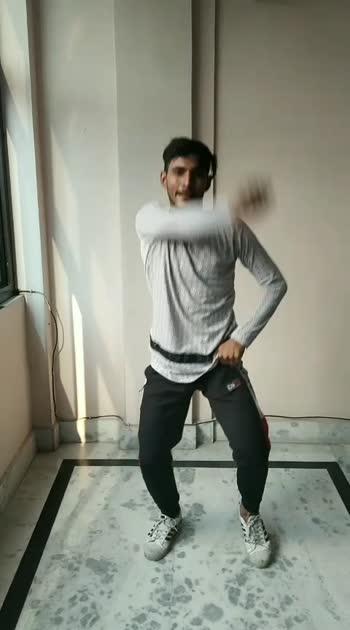 Trending Nakhra ve dance#dance #roposostar #roposodance-risingstar #roposoofficialindia #trendingnakhra #trendingvideo