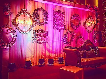 Stunning Decor Ideas For Winter Weddings!    https://www.weddingplz.com/blog/stunning-decor-ideas-for-winter-weddings/  #beautifuldeco #beatifuldecoridea #Wedding #IndianWeddingDecor #weddingdecor #floraldecor #newfloraldecorideas #mandapideas #trendingdecorideas