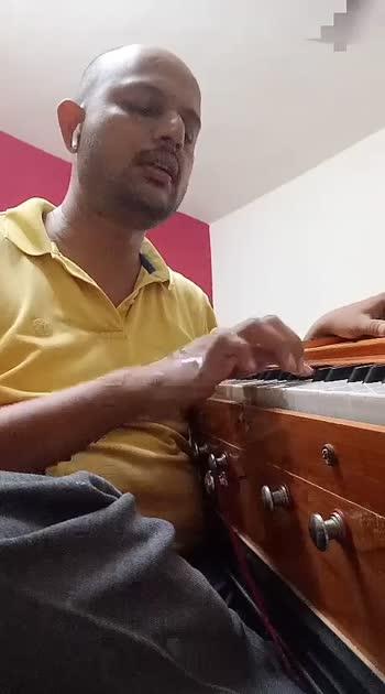 phoolon saa chehra tera kaliyon si muskan hai. #bollywoodsong  #hindisongs  #memorablesong #roposostar #roposo-beats #bala  #uditnarayansongs #uditnarayan