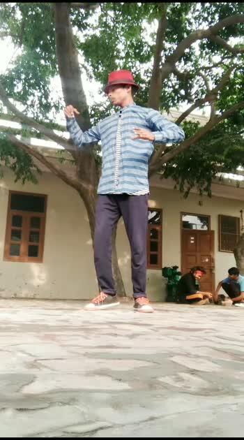 Sourabh popping#popping #dance #rosopostar