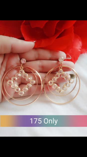 Light weight earrings 💃 #earrings #shopwithus #buyitnow #thebazaar #thebazar #cashondelivery #followme #followmeonroposo