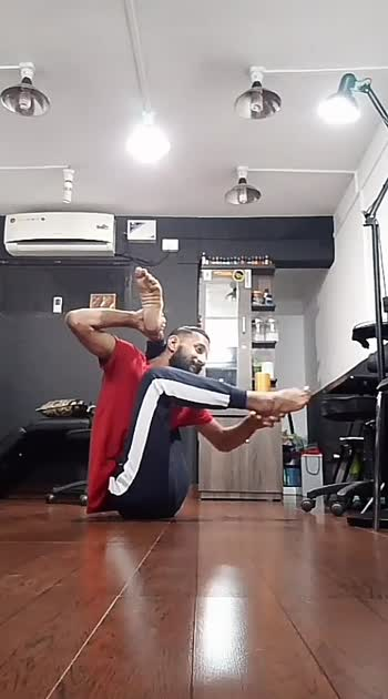 yoga love 🙏💞  #practicemakesperfect #roposo #yogainspiration #yoga #balance #coreworkout #corestrength #flexible #roposostar