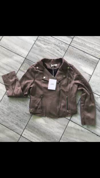 👗*long sleeve zipper suede coat streetwear 2019 autumn women faux suede leather biker jackets*👗 🔥🔥🔥🔥🔥🔥🔥🔥🔥🔥🔥🔥🔥🔥🔥🔥🔥  *Fabric -Faux suede leather*  *Price- 900*  *Size - upto 36*  *Ready to dispatch*🔥🔥🔥 ✖✖✖✖✖✖✖✖✖✖✖✖✖✖✖ 🌷😍