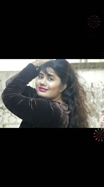I like winter,, I love winter , but....?! But it's wan lil care for hair , for skin , for health !  Ye pic last year k shoot ka hai .. yeah about holiday  party look .. My YouTube link in bio or you can check out on YouTube; Chhoti Si Aasha Anvisha. 🌻 . . . . . . . . ,. . #youtube  #mystylediary #plixxoinfluencer  #photography 📸 #roposouser  #keepsupporting ✌ #roposostar #fashionbloggerstyle  #gujarat  #youtubechannel  #plixxo  #influencer  #roposovlogger  #fashionbloggerindia  #lifestyle #keepsupporting✌🎀 #roposo #indianyoutubechannel   #roposobeauty  #mumbaifashionblogger #likeforlikes   #sportschannel #winteroutfit  #winterfashion  #plixxoinfluencer #winterfashion #roposo-style