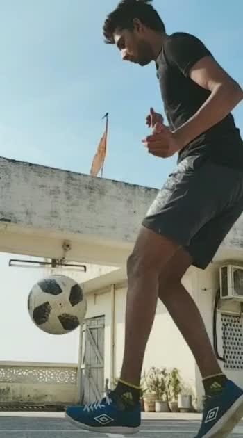 #roposostar #risingstaronroposo #freestylefootball #tekkers