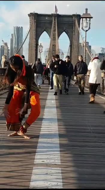 #uddgaye #ritviz #semiclassical #bharatanatyam #fusion #dance #newyork #brooklyn #bridge #followme #likesharecomment