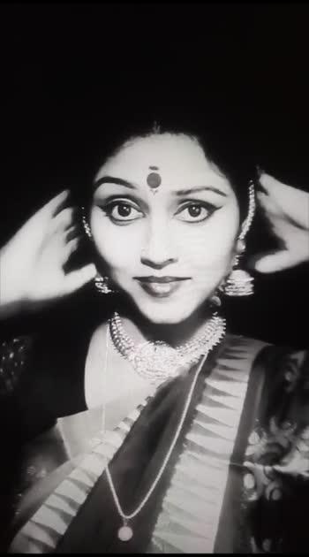 #tamilgirl #tamilgirls #tamilgirlssong #tamilgirlsfc #tamilgirlvideos #tamilgethu #tamilculture #sareelove #sareeaddiction