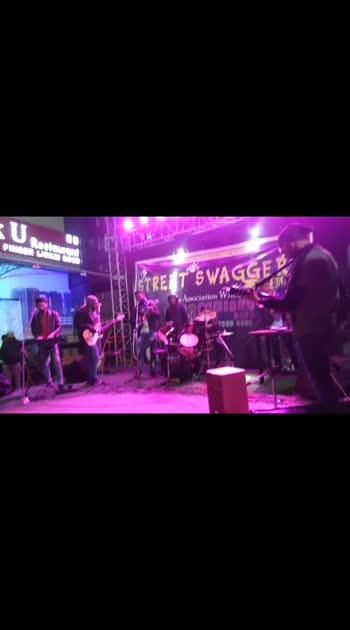 Music ke sath shuruaat #2k2k  1st stagw live show ever..   #happynewyear #musiclovers #musicislife