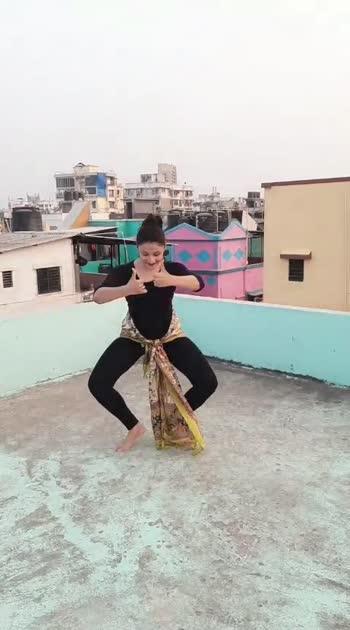 So you know Bharatanatyam is the oldest Dance form #bharatnatyam #bharatnatyamdance #indianclassicaldance #india #roposo #risingstar #mumbai