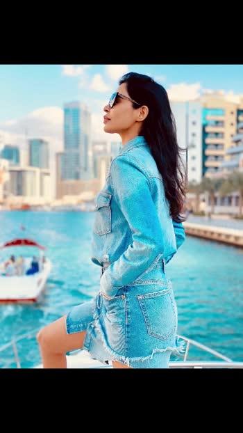 """Live life to the fullest, and focus on the positive.....❤️ . . . . . . #dubai #niveditachandelmodel #niveditachandel #insta #instafashion #instastory #instatravel #instalike #likeforlike #dubainightlife #travelblogger #travelphotography #travelgram #dubaiblogger #dubaiyacht"