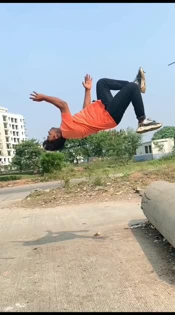 😱Amazing flipping 😱#roposo #roposostar #roposostars #roposo-beats #roposobeauty #flipping #flippings #flippingfeed #gymnastic #gymnastics