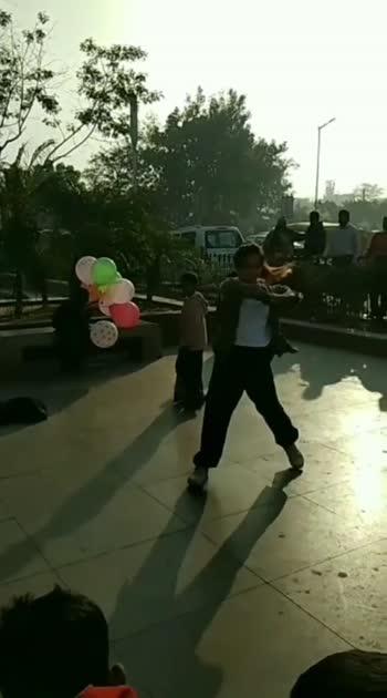 Busking in Streets. #delhigram #cp #dance #love