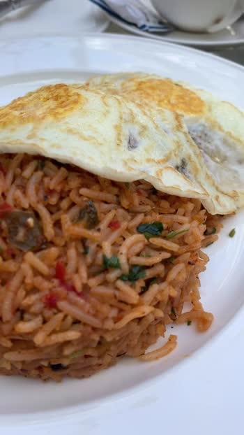 Breakfast done right!  . . #bangaloreblogger #myindia #bangalorefoodbloggers #bangalorefoodie #indowestern #incredibleindia #huffpostfood #breakfastinbangalore #foodtalkindia #travelkarnataka #simplefood #vscofood #officialfoodgroup #shotoniphonexs #ifoundawesome  #bangalorefoodiesclub #foodiesofindia #foodiesofbangalore #southindianfoods #foodtalkbangalore #bangalorefoodguide #bangalorefooddiaries #mumbaiblogger #delhiblogger #mumbaistreetfood #delhistreetfood #bangalorefoodiesclub