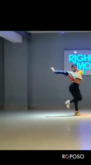 Lal bindi with fusion of heels 💓  #heelsaddict #dance#roposostar #roposodance #roposostyle
