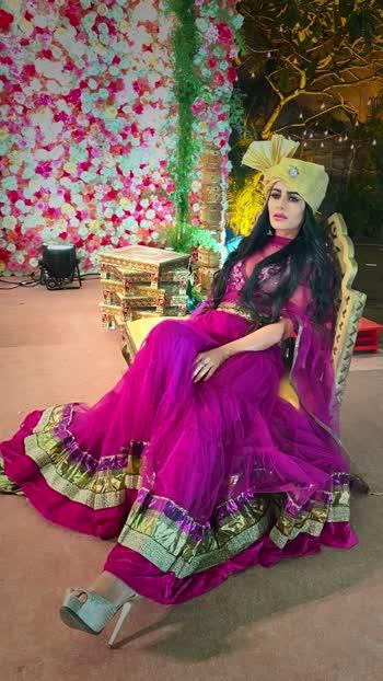 🌸 Once in awhile, right in the middle of an ordinary life, love gives us a fairy tale .👰🤵🏼  🌼 Wedding season be like wakeup & make-up💄👗👠👛  🍀 #myfavseason #weddingseason #wedding #bride #weddings #weddingday #weddingphotography #weddinginspiration #weddingdress #indianwedding #love #fashion #bridal #weddinginspo #weddingstyle #groom #weddingdecor #weddingphotographer #weddingplanning #brideandgroom #indianbride #brides #bridalmakeup #bridesmaids #photography #ethnicwer : ; #missmermaidasiainternational2019 #RehaaKhann #DohaQatar #MyDubai  #AmchiMumbai #RehaaKhannBlogger #RehaaKhannQueenlife #RehaaKhannPublicfigure #RehaaKhannStylefile #RehaaKhannFashion #RehaaKhannWithclass #RehaaKhannFans #Actress #Model #Bollywood #Tollywood #Pollywood #Business #Person #Media #Production🏡