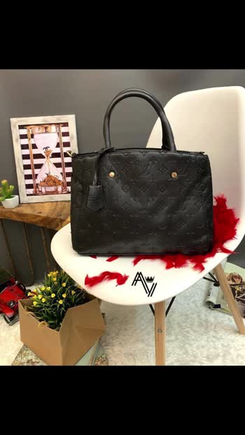 Kz *Louis Vuitton MONTAIGNE* 💫   *Unique Model* *LV Embossed MONTAIGNE* 🤩  *10A Quality!* *Official LouisVuitton Product*  *No More Description Needed* 🤞 *Size 13 By 10 Inches !* Rh *Just For ₹1050/-+$* 💰