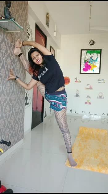 dhwajasana#vaibhavlaxmijhala #fitnessmom #contortionist #yoga