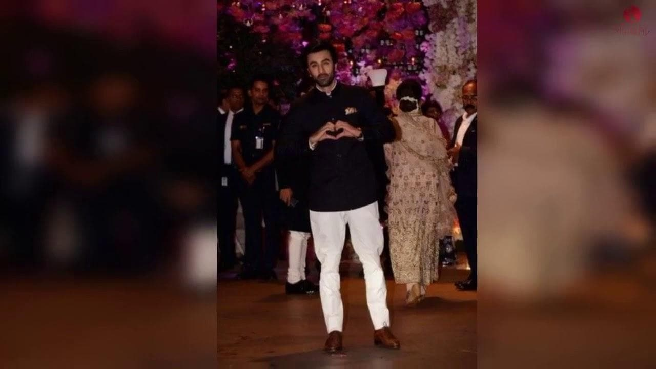 Jodhpuri Suits Collections worn by Famous Celebrities | Bandhgala Suit Designs