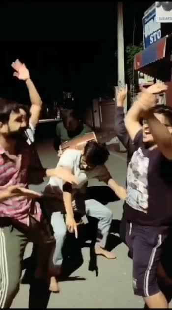 #beatschannel #funnyvideos  #comedyvideo #harekfriendkameenahotahai #tiktokofficial #mastitime #trendingvideo #truelines #punjabibeatschannel #songoftheday #hahatv #sareeindia #beautifulday