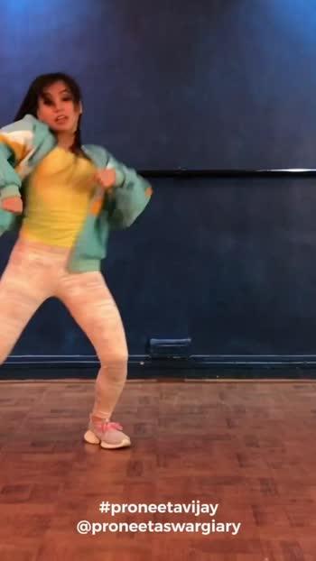 #haanmaingalat 🔥🔥 it's out on my YouTube channel ..   https://youtu.be/PyUCXMJosQA 👆🏻 _________________________ Directed & Shot By : @vijaypattery  Artist : @proneetaswargiary  Choreography : @proneetaswargiary @vijaypattery @mayuryelave  Video Edited By : @2325studios  _________________________ #loveaajkal #proneetavijay #proneetaswargiary #proneeta #dance #artist #twerkqueen #indiantwerker #bollywood #choreography #choreographer #valentines #valentine #velentinesday #2020  #kartikaaryan #saraalikhan #roposo #roposodance #roposofamily
