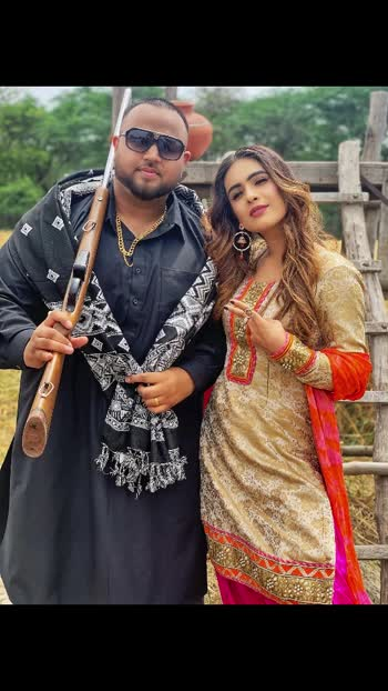 Random clicks behind the scene from the shoot with @deepjandu 😈😈 : #sunday #throwback #throwbackvideo #desi #desilook #behindthescenes #bts #songshoot #punjabisong #pollywood #deepjandu #karanaujla #musicvideo #pollywoodvideos #pollywoodartists #punjabisuit #indiangirl #punjab #pollywood #pollywoodactress #instantpollywood #instantbollywood #nehamalik #model #actor #model #instagram #instagood