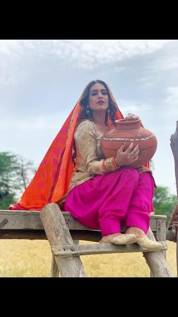 Main uchiyan uchiyan deewara rakhiyan... iss dil de chaar chufere....Naale saambh ke rakhni aa...Koi dil te na laa le dere... 💕💕♥️ : #beautiful #lyrics #baari #bilalsaeed #newsong  #throwback #throwbackpic #desi #desilook #bts #songshoot #punjabisong #pollywood #deepjandu #karanaujla #musicvideo #pollywoodartists #punjabisuit #indiangirl #punjab #pollywood #pollywoodactress #instantpollywood #instantbollywood #nehamalik #model #actor #model #instagram #instagood