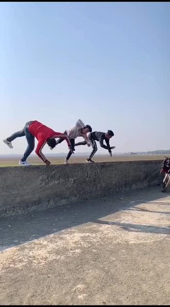 😱 Amazing flipping 😱 #roposo #roposostar #roposostars #roposo-beats #flipping #flippings #flippingfeed #flipping #backflip #backflip360 #backflip-reaction #sideflip