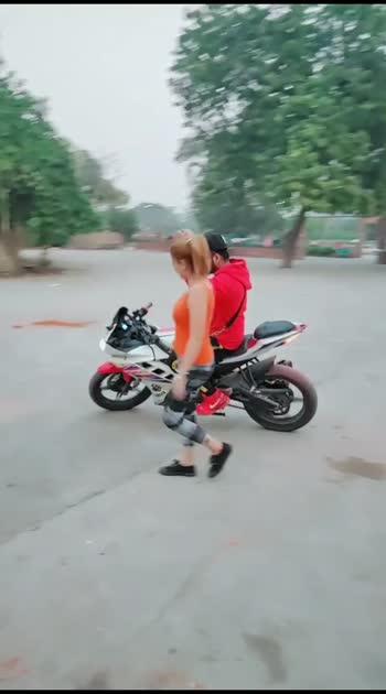 girl vs boy stunt#roposostar #bikestunt