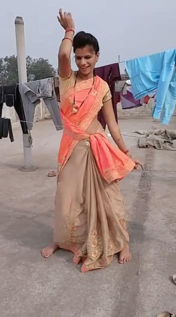 #desibhabhidance #desigirldance #sareedance #beautifulbhabhi #beautifulgirl