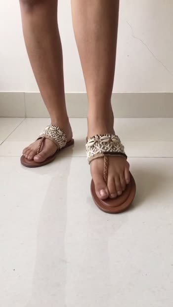 Five types of footwear every girl must own. Do like and follow if you found this video useful.#fashion#footwear#style#blogger#tips