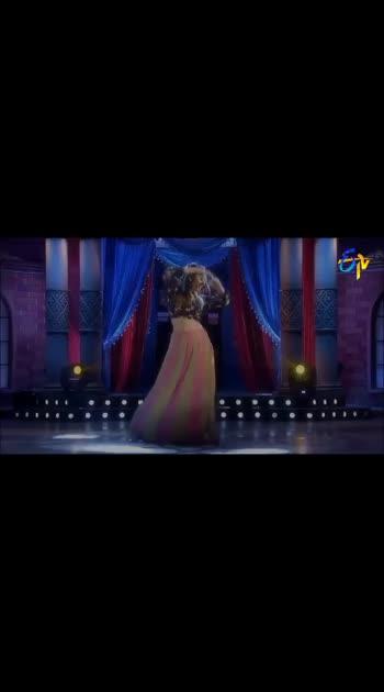 #jiyajale #lofer_movie #varuntej #hotsong #anasuya_dance_performance